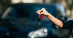Na hora de fechar negócio, é fundamental ter atenção redobrada em relação à qualidade e à procedência do veículo; também é importante fazer uma pesquisa minuciosa