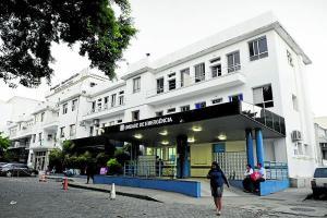 Policiais e servidores da Controladoria-Geral da União cumpriram quatro mandados de busca e apreensão no hospital e na residência de investigados
