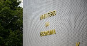 A queda de 0,1% do PIB (Produto Interno Bruto) brasileiro no segundo trimestre frustrou as expectativas do Ministério da Economia, que esperava um avanço de 0,25%