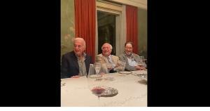 Em um vídeo que circula pelas redes sociais, o ex-presidente Michel Temer (MDB) aparece gargalhando de uma imitação que satirizava o presidente Jair Bolsonaro (sem partido), durante um jantar com empresários