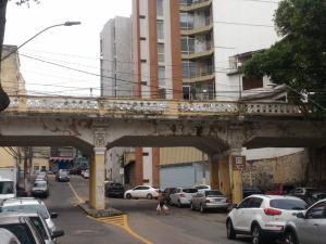 Viaduto Caramuru, localizado na Cidade Alta, é cercado de fatos curiosos, mas está ao léu
