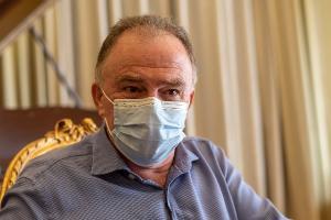 Governador do ES não cita nomes, mas diz que, durante a pandemia de Covid-19, há lideranças políticas que espalham desinformação e atrapalham o combate ao coronavírus