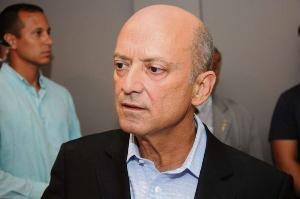 Em vídeo divulgado nas redes sociais 2018, Thiago Peçanha atribuiu a concessão de abono à influência do deputado federal Lelo Coimbra, que concorria a reeleição naquele ano