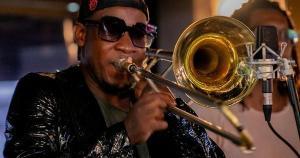 Trombonista é natural de bairro vizinho ao de Roberto Carlos, em Cachoeiro de Itapemirim, no Sul do Espírito Santo. Ele decolou no jazz urbano quando se mudou para São Paulo, em 2013