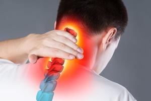 Existem vários componentes que podem causar esse tipo de dor e colocar a culpa somente na postura pode não ser a melhor decisão