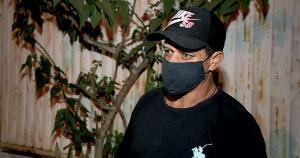 O pedreiro José Olmo contou como encontrou a cena do crime; ele é irmão de Flávio Sandro Olmo, de 42 anos , que matou a mulher e os três filhos antes de tirar a própria vida