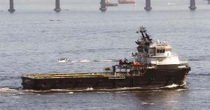 Foram positivados três tripulantes do navio Mandrião, que está em isolamento desde o último sábado (28). Outras duas embarcações estão isoladas há cerca de dez dias