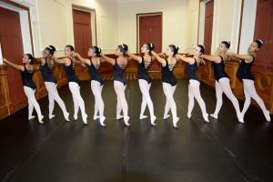 Escola Técnica Municipal de Teatro, Dança e Música (Fafi) abre, nesta quinta-feira (28), mais 151 vagas nas áreas de dança e teatro. Local retomou atividades presenciais, mas com protocolos sanitários em função da pandemia de Covid-19