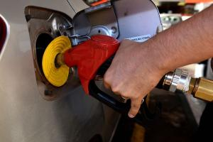Nos 129 postos pesquisados pela ANP no Estado neste mês, o preço médio registrado foi de R$ 4,57. Mas, em alguns lugares, a gasolina chega a custar R$ 5,08