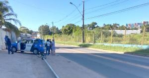 Segundo a Guarda de Vitória, o homem saiu carregando o poste na bicicleta, sentido Serra, e foi abordado na altura do bairro Boa Vista II. O suspeito foi detido e levado para a Delegacia Regional da Serra